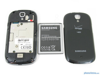 Battery compartment - Samsung Galaxy Stratosphere II Review