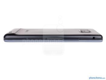 Volume rocker (left) - The sides of the Samsung Galaxy S II Plus - Samsung Galaxy S II Plus Preview
