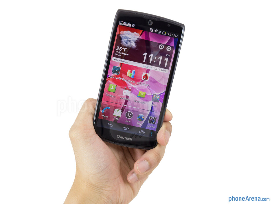 The Pantech Discover sports one curvaceous body with a textured rubbery back casing - Pantech Discover Review