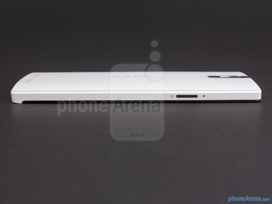 The power button and SIM card slot are on the left, while the volume rocker can be found on the right side - Oppo Find 5 Review