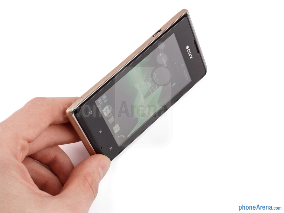 The Sony Xperia E dual is visually appealing - Sony Xperia E dual Review