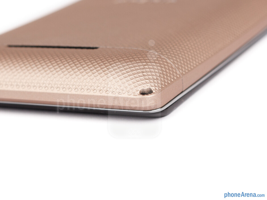Bottom - The sides of the Sony Xperia E dual - Sony Xperia E dual Review