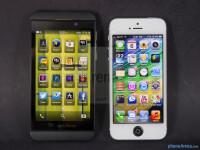 BlackBerry-Z1-vs-Apple-iPhone-5001
