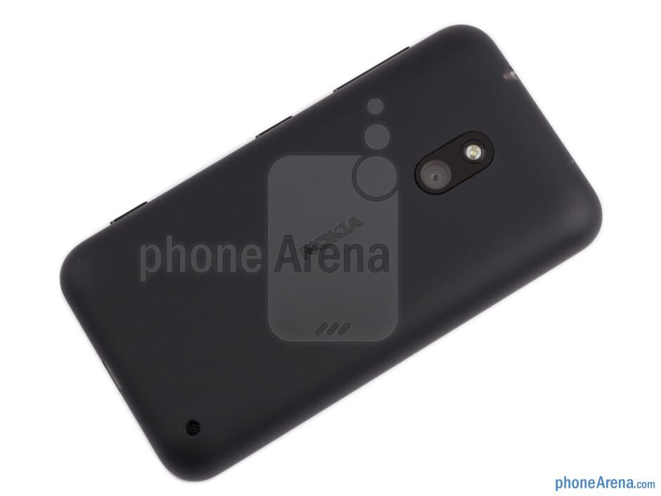 Back - Nokia Lumia 620 Review