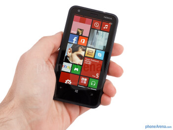 The Nokia Lumia 620 is compact enough not to feel too bulky - Nokia Lumia 620 Review