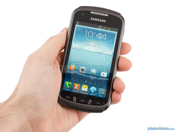The Samasung Galaxy Xcover 2 is very light and pretty comfortable to hold - Samsung Galaxy Xcover 2 Review