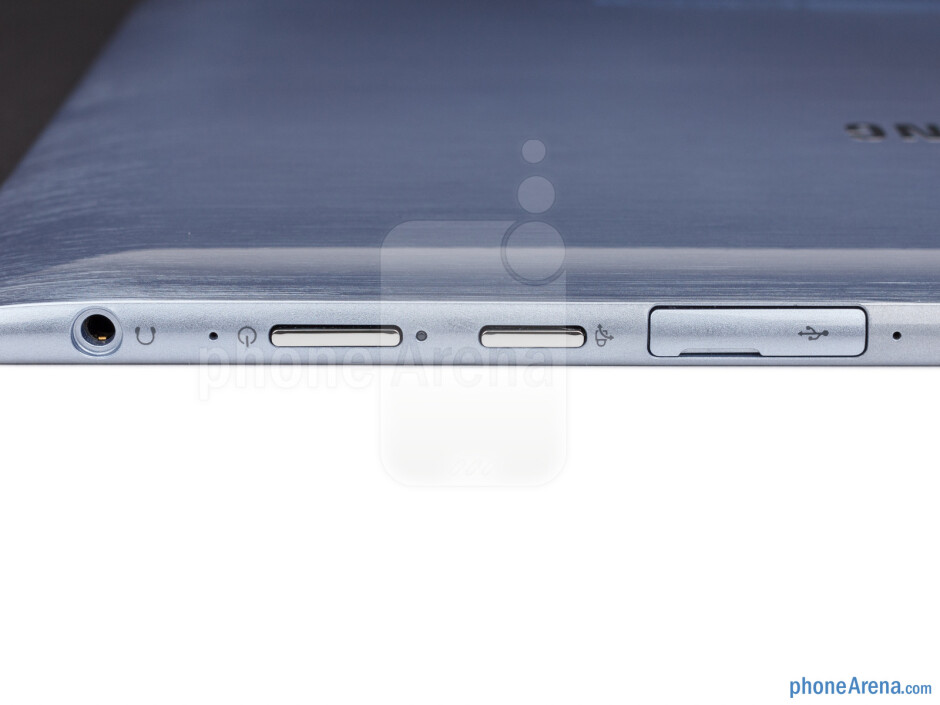 Keys and ports on the sides of the Samsung ATIV Smart PC - Samsung ATIV Smart PC Review