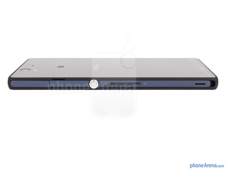 Right - The sides of the Xperia Z - Sony Xperia Z Review