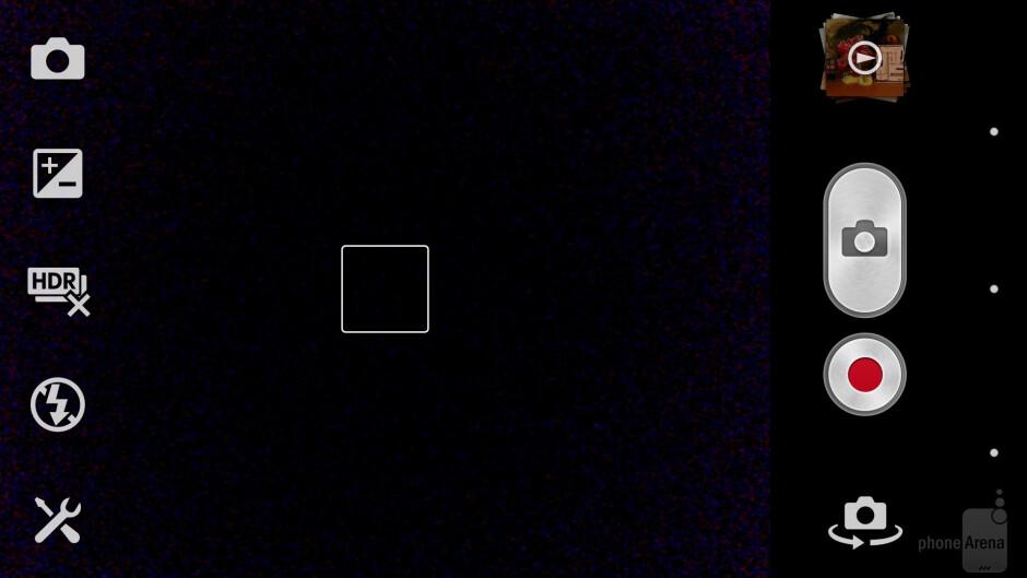 The camera interface of the Sony Xperia Z - Samsung Galaxy S4 vs Sony Xperia Z