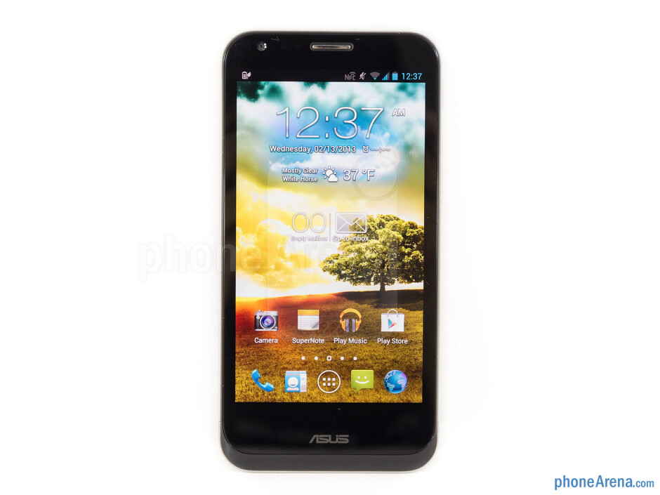The Asus Padfone 2 doesn't deviate much in terms of design over its predecessor - Asus Padfone 2 Review