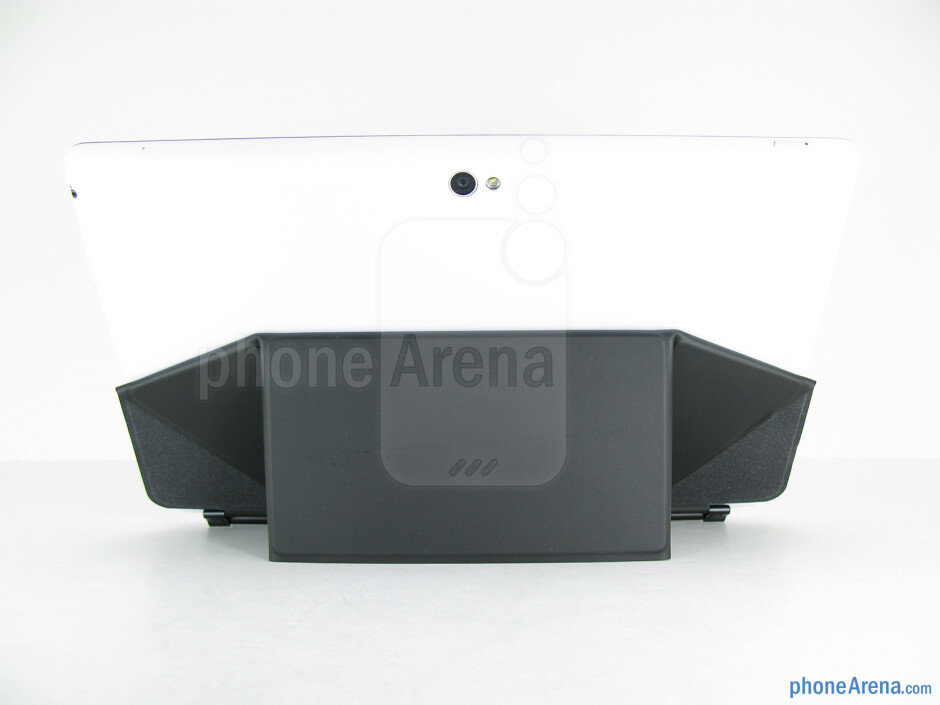 The keyboard dock of the Asus VivoTab Smart - Asus VivoTab Smart Review