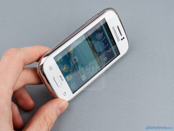 The Galaxy Young Duos feels surprisingly solid in the hand - Samsung Galaxy Young Duos Preview