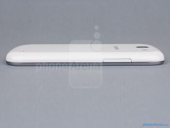 Volume rocker (left) - The sides of the Samsung Galaxy Express - Samsung Galaxy Express Review
