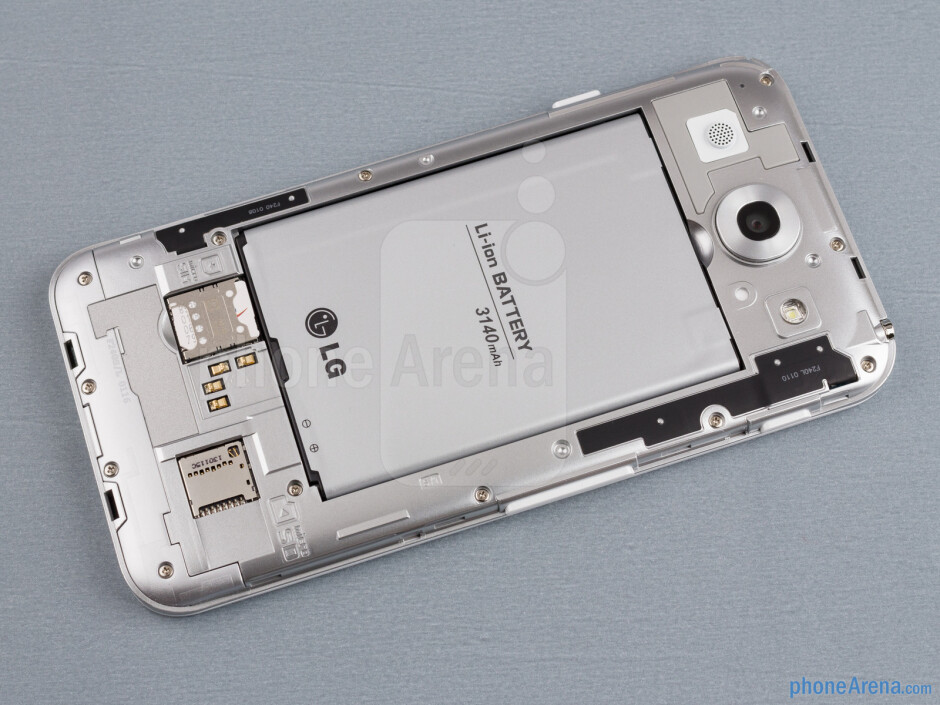 Battery compartment - LG Optimus G Pro Review