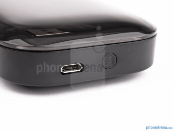 The carrying case has a built-in battery that can be used to recharge the Plantronics Voyager Legend UC on the go - Plantronics Voyager Legend UC Review