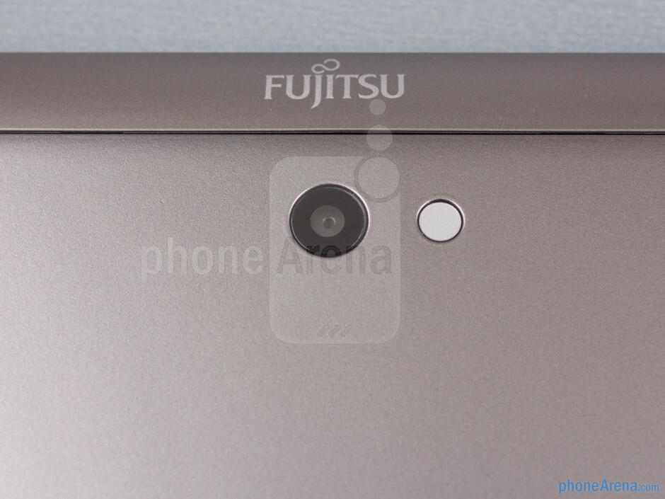 Rear camera - Fujitsu Stylistic Review