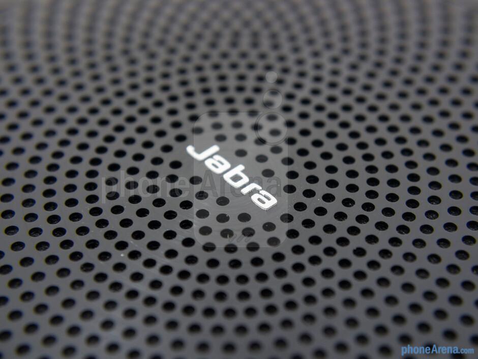 Speaker grill - Various LED lights line the outer edge of the speaker grill - Jabra Speak 510 Review