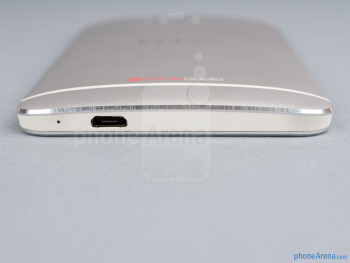 Bottom - HTC One Review