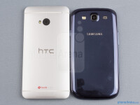 HTC-One-vs-Samsung-Galaxy-S-III02