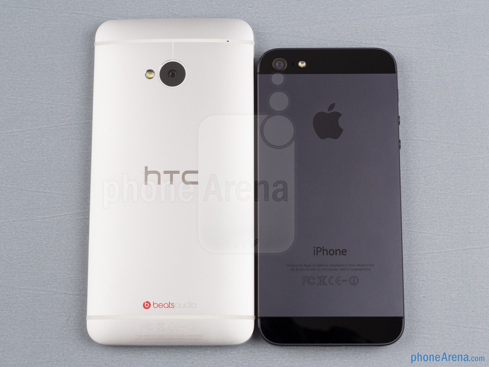 htc-one-vs-iphone-5