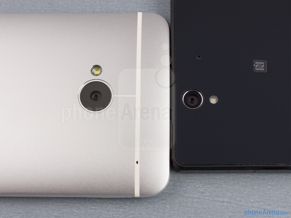 Rear cameras - The sides of the HTC One (down, left) and the Sony Xperia Z (top, right) - HTC One vs Sony Xperia Z