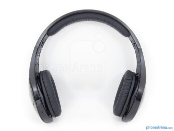 The Velodyne vFree On-Ear Bluetooth Headphones have a peculiar design - Velodyne vFree Review