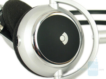 Left side - Plantronics 590A Stereo Bluetooth Headset Review