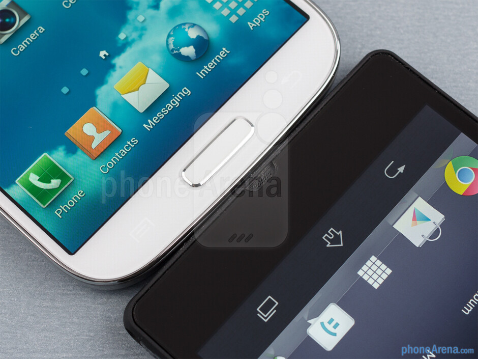The Samsung Galaxy S4 (left) and the Sony Xperia Z (right) - Samsung Galaxy S4 vs Sony Xperia Z