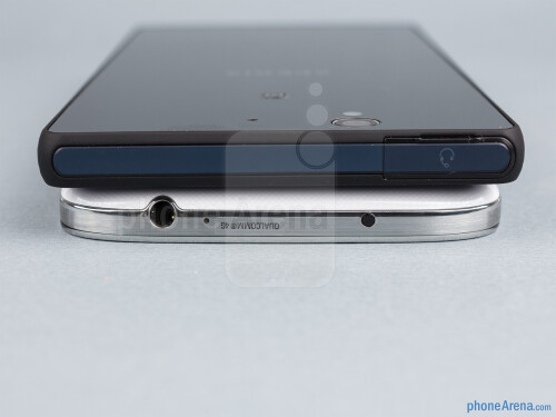 http://i-cdn.phonearena.com/images/reviews/129849-gallery/Samsung-Galaxy-S4-vs-Sony-Xperia-Z-08.jpg