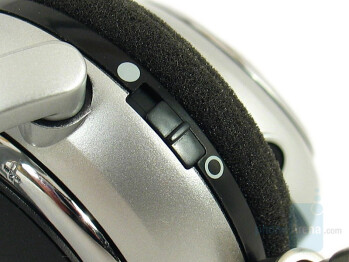 Power switch - Plantronics 590A Stereo Bluetooth Headset Review