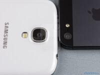 Samsung-Galaxy-S4-vs-Apple-iPhone-505