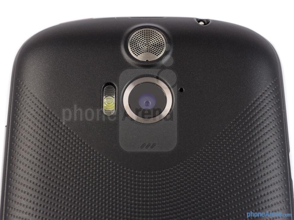 Rear camera - The sides of the Acer Liquid E1 - Acer Liquid E1 Review