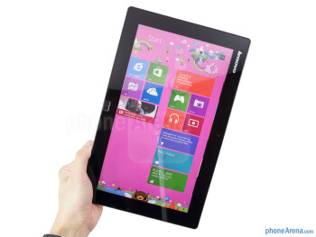The Lenovo IdeaTab Lynx is light weight and skinny - Lenovo IdeaTab Lynx Review