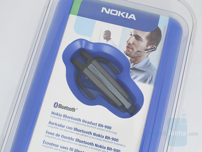 In Box - Nokia BH-900 Bluetooth Headset Review