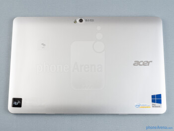 The Acer Iconia W511 is comfortable to hold and use - Acer Iconia W511 Review