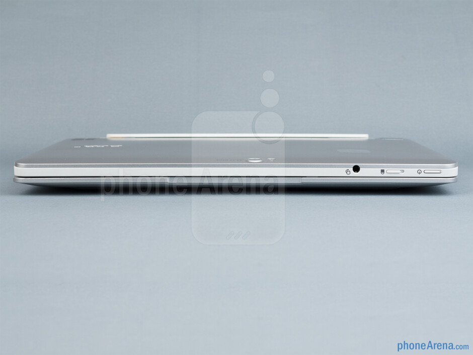 The sides of the docked Acer Iconia W511 - Acer Iconia W511 Review