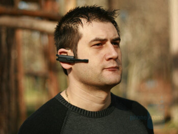 Wearing it - Nokia BH-900 Bluetooth Headset Review