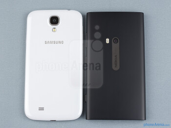 The Samsung Galaxy S4 (left, bottom) and the Nokia Lumia 920 (right, top) - Samsung Galaxy S4 vs Nokia Lumia 920