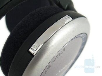 Right side - Jabra BT620s Stereo Bluetooth Headset Review