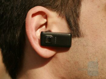 Wearing - Nokia BH-800 Bluetooth Headset Review