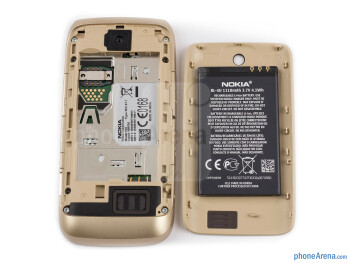 Battery compartment - Nokia Asha 310 Review