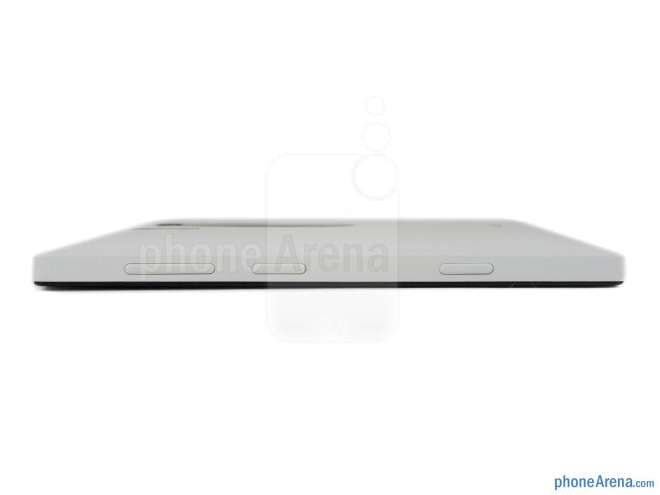 Right - The sides of the Nokia Lumia 928 - Nokia Lumia 928 Review