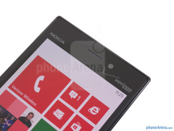 Front cam - The sides of the Nokia Lumia 928 - Nokia Lumia 928 Review