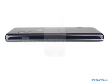 Right side - The sides of the LG Optimus L5 II - LG Optimus L5 II Review