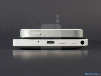 Top - The sides of the Nokia Lumia 928 (bottom, left) and the Apple iPhone 5 (top, right) - Nokia Lumia 928 vs Apple iPhone 5