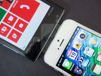 Front cameras - The Nokia Lumia 928 (left) and the Apple iPhone 5 (right) - Nokia Lumia 928 vs Apple iPhone 5