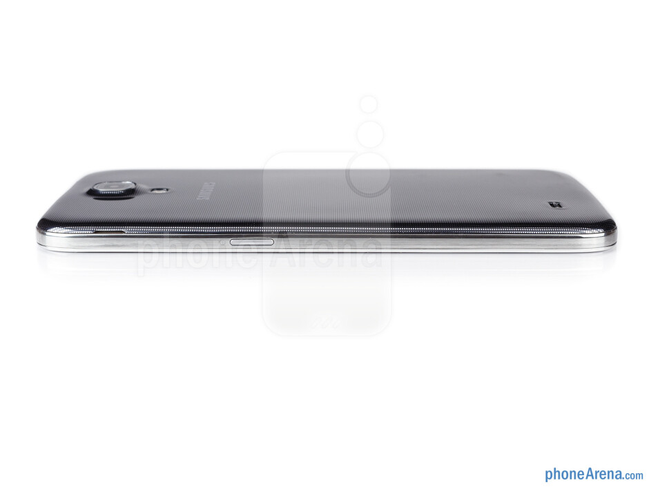 Power key (right) - The sides of the Samsung Galaxy Mega 6.3 - Samsung Galaxy Mega 6.3 Preview