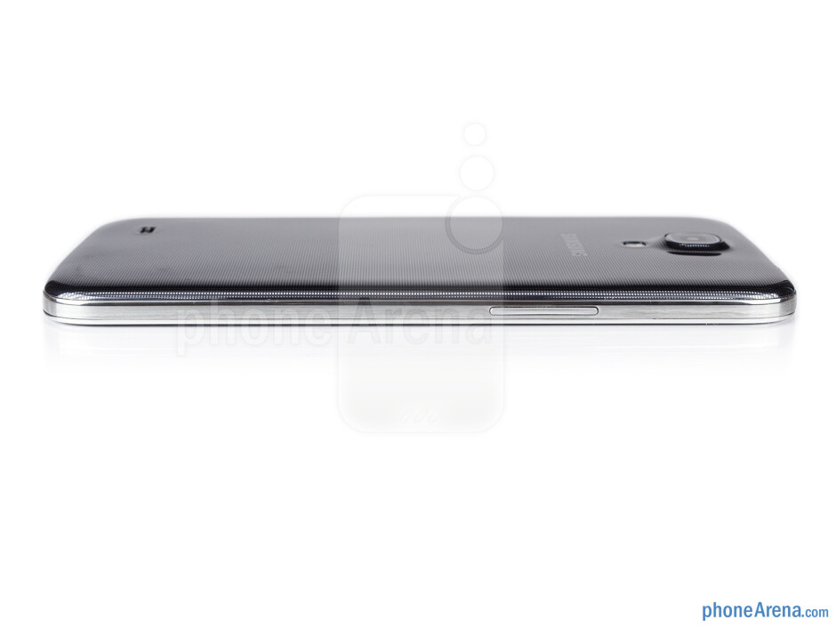 Volume rocker (left) - The sides of the Samsung Galaxy Mega 6.3 - Samsung Galaxy Mega 6.3 Preview