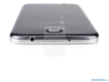 3.5mm jack (top) - The sides of the Samsung Galaxy Mega 6.3 - Samsung Galaxy Mega 6.3 Preview