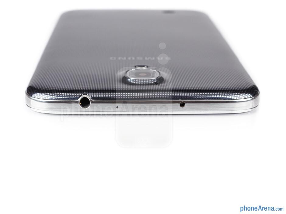3.5mm jack (top) - The sides of the Samsung Galaxy Mega 6.3 - Samsung Galaxy Mega 6.3 Preview